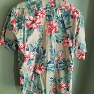 Hilo Hattie Shirts - Hilo Hattie Mens PARROT Button Up Hawaii sz. L